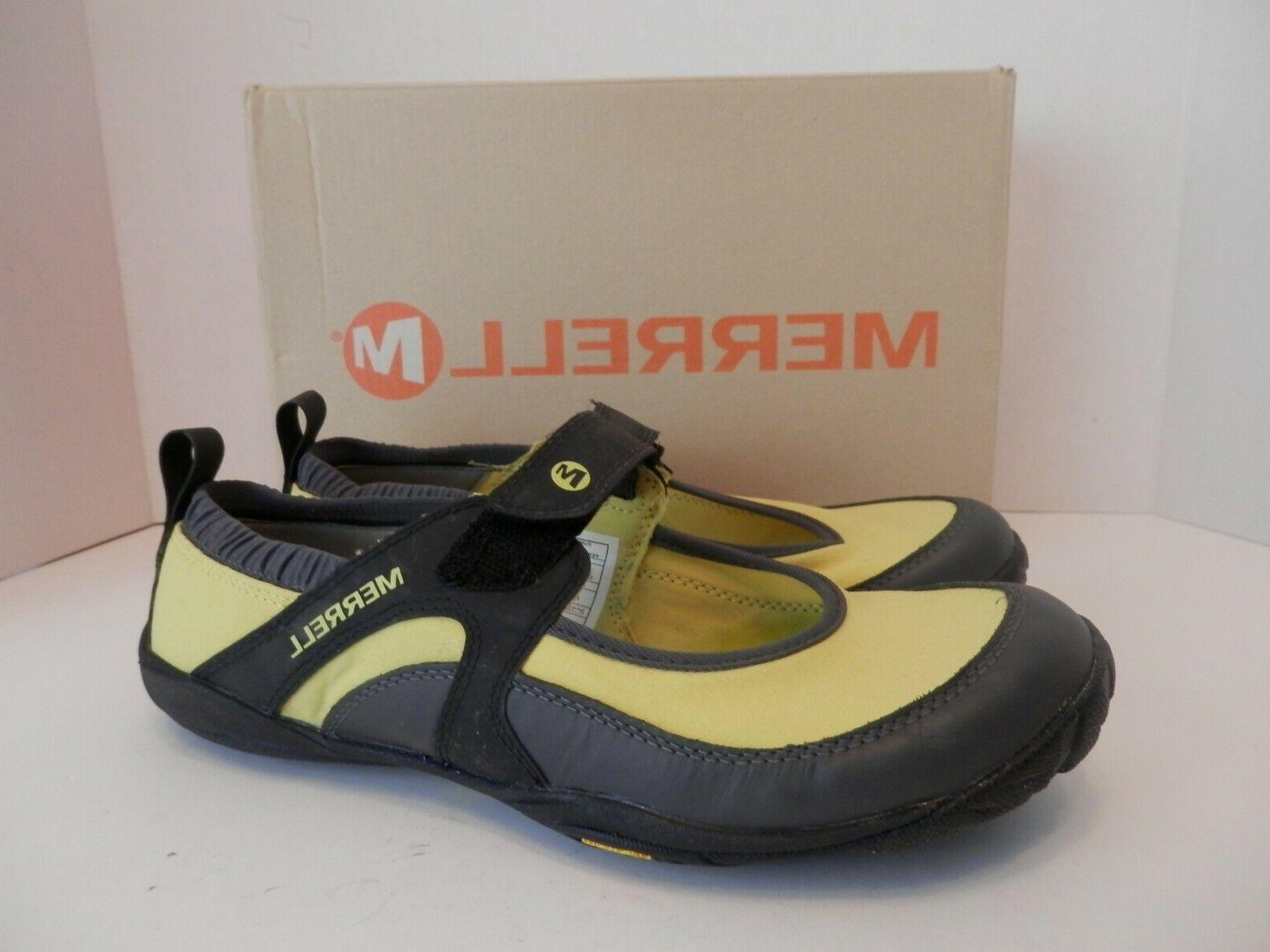yellow black pure glove water shoes nib